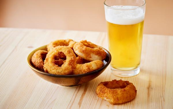 Ajuin, hapje, apero, aperitief, kids, feest, party, onion, rings, hartig, spar.be
