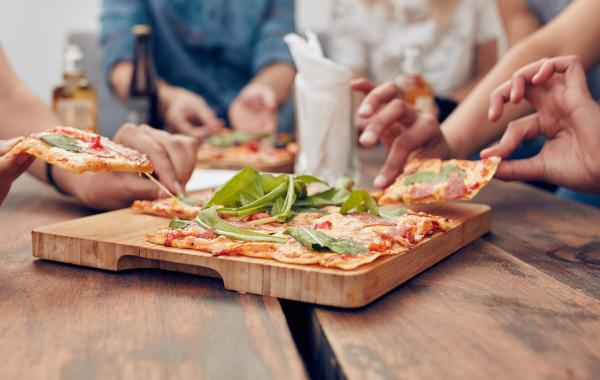 pizza, party, pizzadeeg, pizzasaus, italiaans, beleg, comfort food, foodie, spar.be