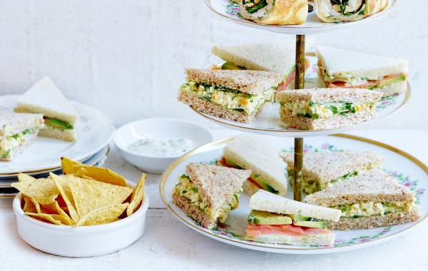 sandwiches, gerookte zalm, avocado, high tea, snacks, Aperitief, Tapas, spar.be