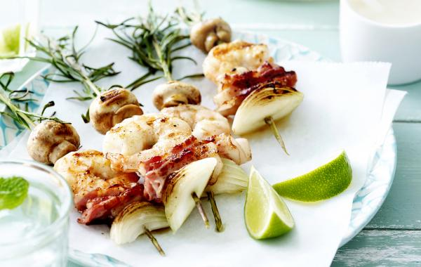 Brochetten van scampi met spek, barbecue, SPAR.be