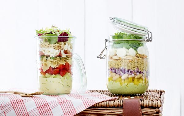 salade, salad in a jar, picknick, gezond, lunch, weck, pot, pasta, quinoa, mozzarella, spar.be