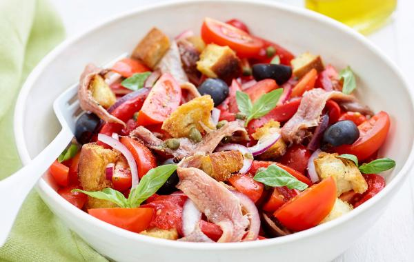 Panzanella, Salade, Italiaans, Zomer, Lunch, Fris, Anjovis, SPAR.be