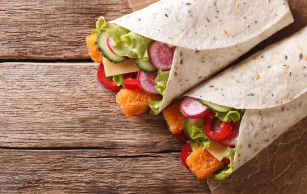 wrap, tortilla, fishsticks, groenten, lunch, kids, kidsrecept, powerfood, homemade, vis, spar.be